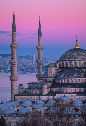 First Trip to Istanbul? Here is All You Need to Know on The Best Spots, Food and Culture