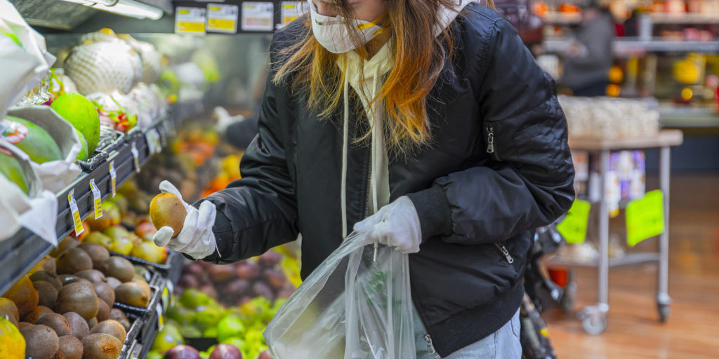 How to Shop for Groceries Amidst the COVID-19 Scare