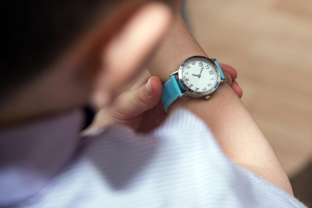Women's Watch Fashion: Which Wrist to Wear a Watch