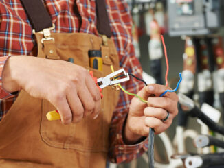 Reasons to Hire a Professional Electrician Before a Home Renovation Project